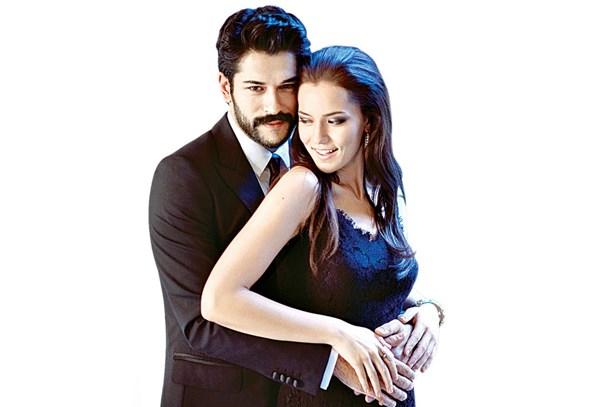 Tuba Büyüküstün Murat Yıldırım Salı Günü Neden: NTV ünlü Ekran Yüzünün Düğününde Buluştu! (Medyaradar/Özel