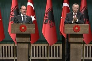 Arnavut gazetecinin sözleri Erdoğan'ı mest etti!