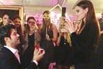 Burak Özçivit'ten, Fahriye Evcen'e sürpriz evlenme teklifi