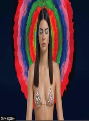 Kendall Jenner'dan yoga pozları