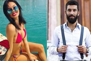 Arda Turan, Cansu Taşkın'ı Barcelona'ya mı davet etti?