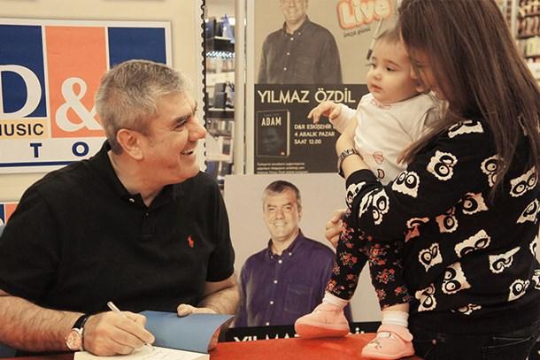 Yılmaz Özdil'in köşe yazıları seyirciyle buluştu!