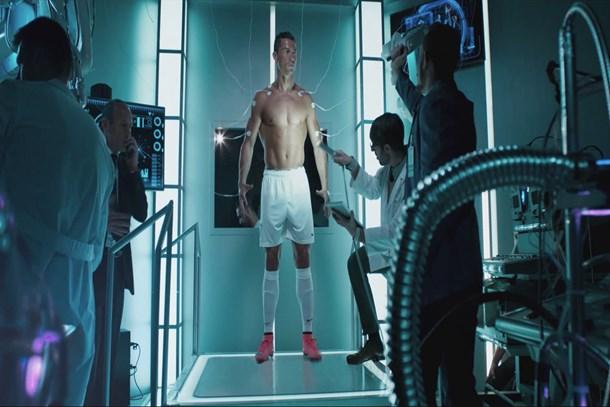 Ronaldo Türk Telekom reklamından ne kadar ücret aldı?