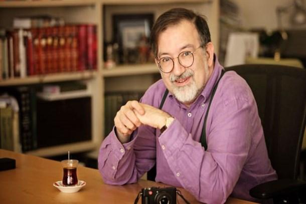 Murat Bardakçı'dan olay yazı: Bu küfürbaz nesil sizin eseriniz! Öğünebilirsiniz...