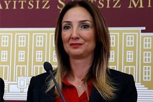 Aylin Nazlıaka belge gösterdi, Anadolu Ajansı haberi geri çekti!