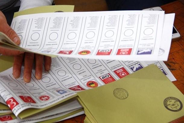 Reuters'den çok konuşulacak iddia! AK Parti'nin başına kim geçecek?
