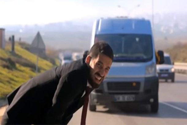 Arda Turan'ın oynadığı reklam filminde 'skandal' hata!