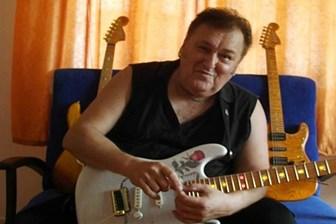 Ünlü müzisyen kalp krizi sonucu hayatını kaybetti