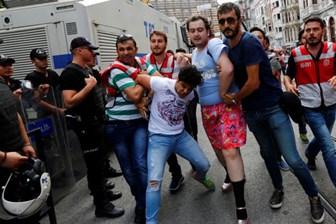 Polisten yabancı gazeteciye tehdit: Türkiye aleyhine haber yapma yoksa seni vururum