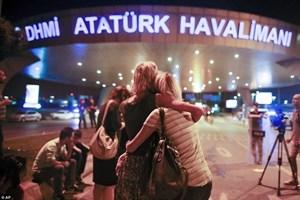 Dünya basını, hain saldırıyı bu fotoğraflarla gördü!
