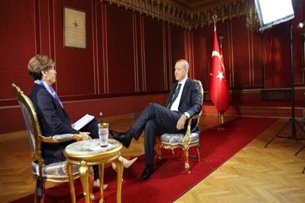 Erdoğan yaşadıklarını CNN International'a anlattı: 15 dakika daha kalsam...