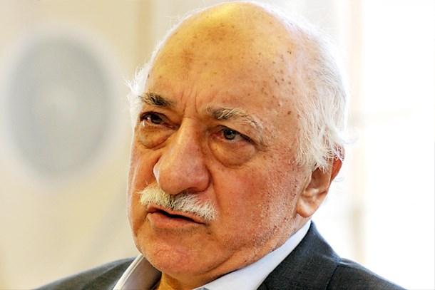 Azerbaycan'da Gülen'in röportajını yayınlamak isteyen kanal kapatıldı