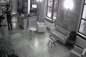 TRT'nin işgali güvenlik kamerasında