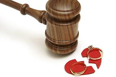 Ünlü oyuncu çift anlaşmalı boşandı!