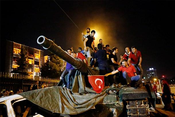 AKP'li bakan korkularını açıkladı: Darbecilerin B planını bilmiyoruz!