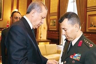 Cumhurbaşkanı'nın başyaveri dahil 1389 asker TSK'dan ihraç edildi