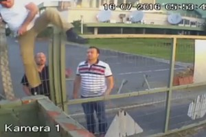 Darbecilerin TRT'ye getirdiği bilişim uzmanları tel örgülerden kaçmış!