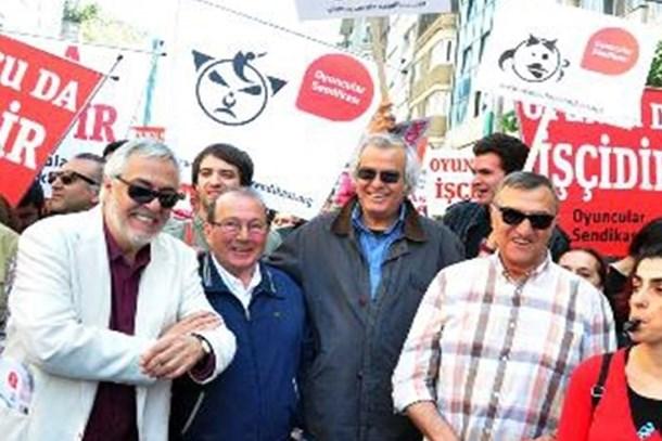 Tarık Akan'dan Mustafa Alabora'ya: Sen yırtarsın da oğlum, ben yırtamam!