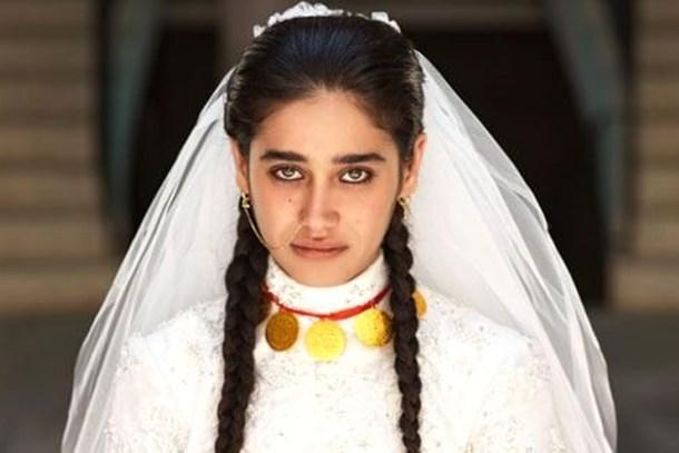 'Hayat Devam Ediyor' dizisinin Hayat'ı kiminle evlendi?