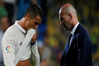 7 yıl sonra ilk kez oyundan alınan Ronaldo'dan Zidane'a: O..... çocuğu