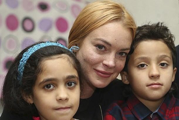 Hollywood yıldızı Suriyelileri ziyaret etti!