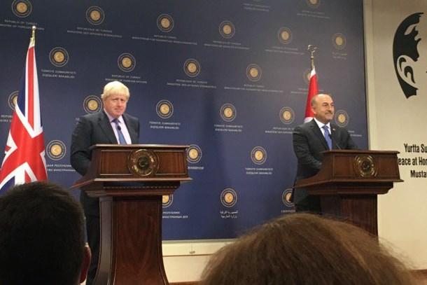 İngiliz gazeteci İngiliz bakana sordu: Türkiye'den özür dileyecek misiniz?
