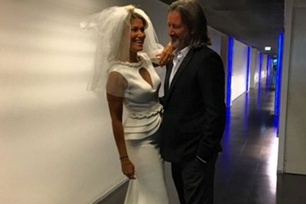 Ünlü sunucu Bodrum'da tanıştı, 4 gün sonra evlendi