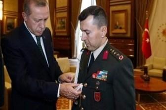 Cumhurbaşkanı Erdoğan, yaverini 'çakı'yla sınamış: Sende kalsın, lazım olur!