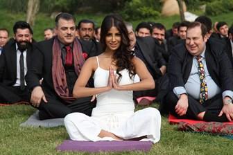 Köri soslu gişe komedisi: Bir Baba Hindu!