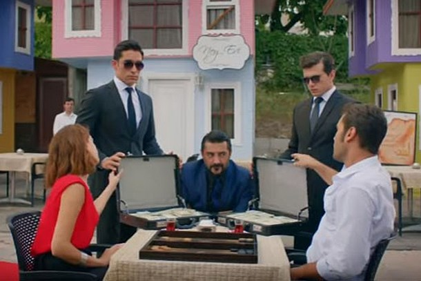 Şevkat Yerimdar'ın yapım şirketinden 'ertelendi' iddialarına yanıt!