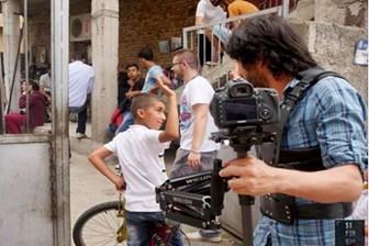 Adanalı gençler internette Kıvanç'ın da Halit'in de bileğini büktü!