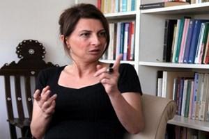 Cumhuriyet yazarı gazetesine seslendi: Nuray Mert kapının önüne konmalı!