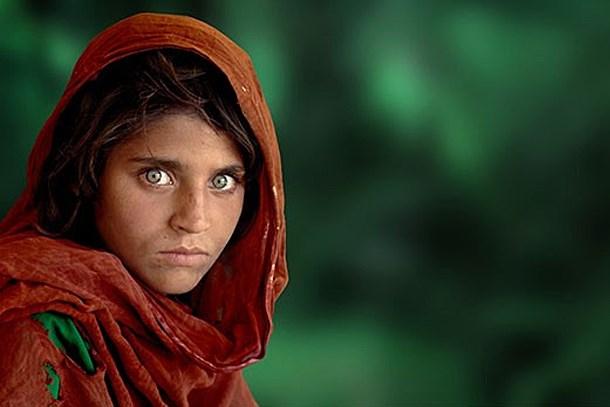 Afgan kızı kendi fotoğrafına sitem etti!