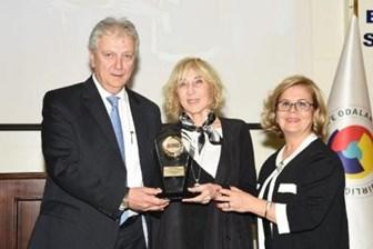 Ayşe Kulin: 'Ödülü Melih Gökçek ile paylaştım... Öleyim daha iyi'