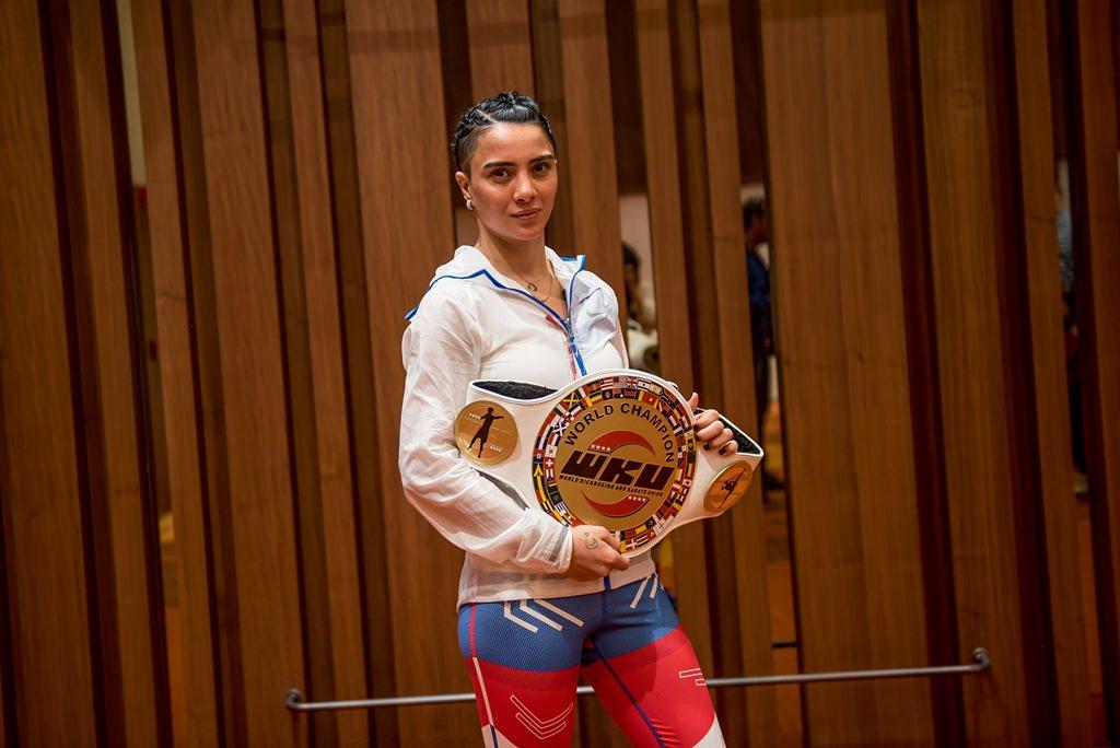 Survivor 2017'nin şampiyon yarışmacısı sosyal medyayı salladı!