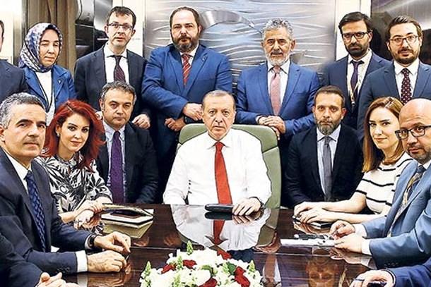 Nagehan Alçı'dan ortalığı karıştıracak gönderme! Kim bu Erdoğan'ın uçağındaki çapkınlar?