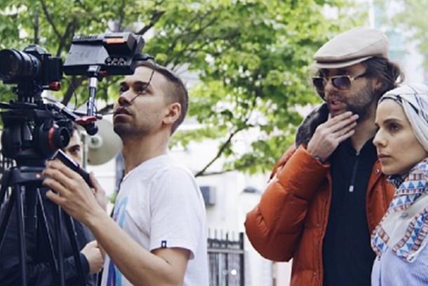 İstanbul'da film çekiyordu! Suriyeli yönetmene bıçaklı saldırı!