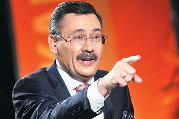 Ankara'da flaş iddia! Melih Gökçek odasını topladı!