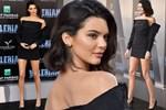 Kendall Jenner'dan heyecan yaratan mayolu selfie!