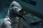 Ünlü köşe yazarı şokta! Gece 'uyurken' parasını çaldılar!