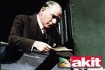 Yeni Akit yine şaşırtmadı: Atatürk yerine o ismi andı