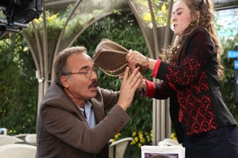 Gülse Birsel'in yeni komedi filmi Aile Arasında'nın fragmanı yayınlandı! (Medyaradar/Özel)