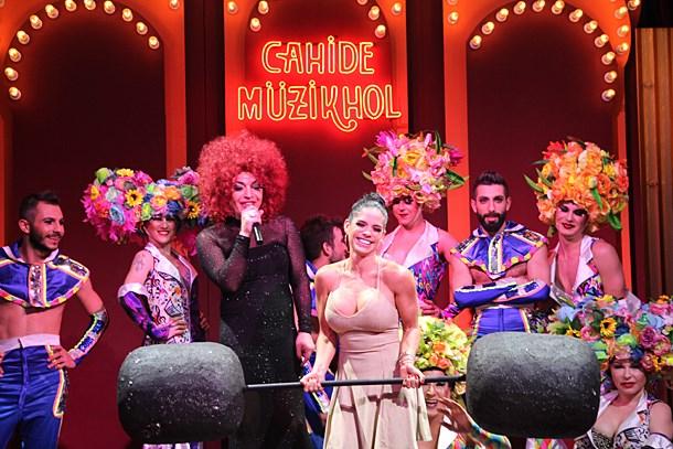 Tavi Castro & Michelle Lewin Cahide'de!