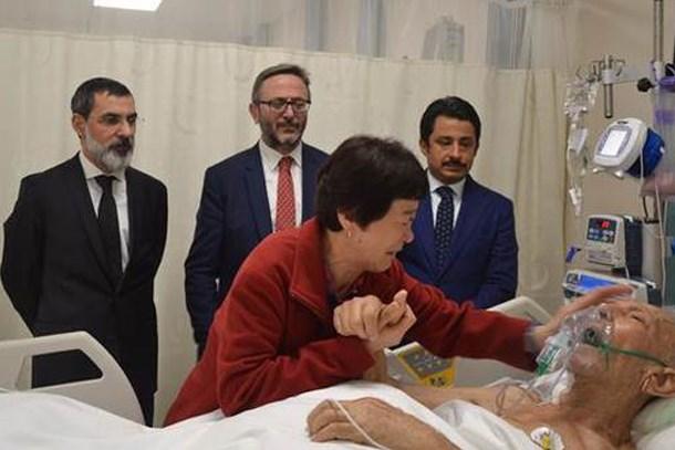 Gazi babasını ziyaret eden Koreli Ayla, gözyaşlarına boğuldu!