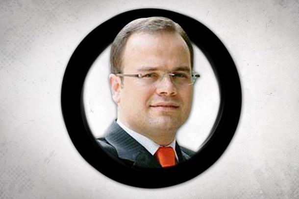 CHP'li vekilden olay iddia: Tutuklu Habertürk editörünün zorla saçını kestiler!