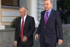 Erdoğan'la Peskov'un İngilizce konuşmasına bakın!