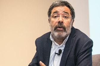 Ahmet Ümit'ten olay açıklama: Politik bir kitap yazarsam hapse atarlar