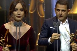 Nazlı Çelik ödülünü şehitlere, Fatih Portakal ise özgürlüğe ithaf etti