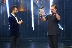 Altın Kelebek'te Cem Yılmaz'ın Tarkan esprisi kırdı geçirdi!