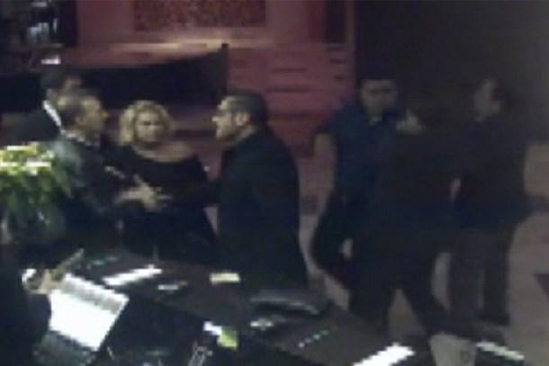 Ünlü oyuncu ve eşini böyle dövmüşler! Dayak görüntüleri ortaya çıktı!